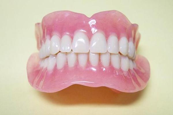 виниры протезы для зубов